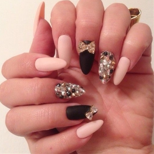 almond-nails